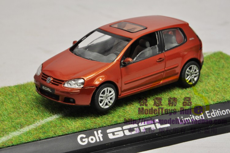 1:43 imported Volkswagen factory Shu Ke VWs golf Golf Goal 2006 model cars(China (Mainland))