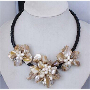 "FREE SHIPPING>@@> Fashion Manual Handcraft Shell Flower with freshwater pearl necklace 18""AAA style Fine Noble real Natural &(China (Mainland))"