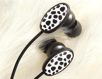 noise cancelling earphones in-ear earphone promotional earplug lovely cartoon  style mp3 / mp4 earphone