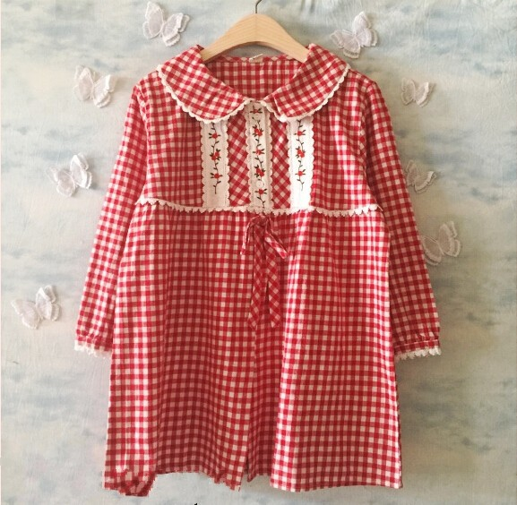 Vintage flowers embroidery lacing peter pan collar lacing plaid sweet shirt top boutique shirt(China (Mainland))
