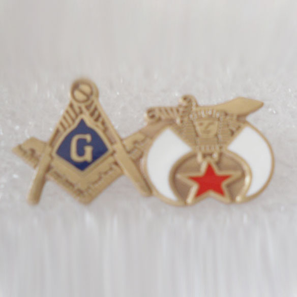 M030 Wholesale 100pcs brooch pins mason masonic lapel pin, freemasons badge<br><br>Aliexpress