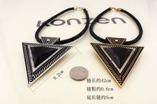 2015 New Vintage Jewelry Triangle Statement Necklace Rhinestone Necklaces & pendants Leather Chain Women Dress Costume Item(China (Mainland))