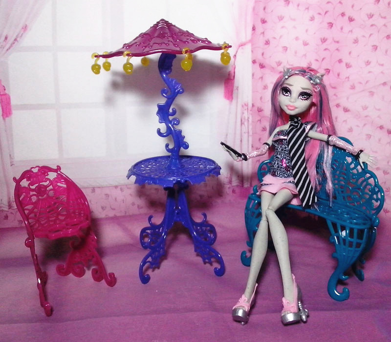 Free Shipping,New Arrival Plastic Travel accessories Table/Chair/Bench Toy Furniture For Monster High(China (Mainland))