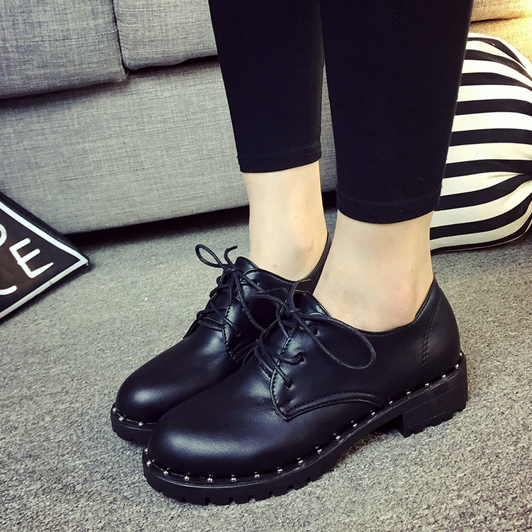 New Arrival 2016 Fashion Rivet Oxfords Women Shoes Casual Lace Up Flats Ladies Shoes Students Leisure Square Heel Leather Shoes