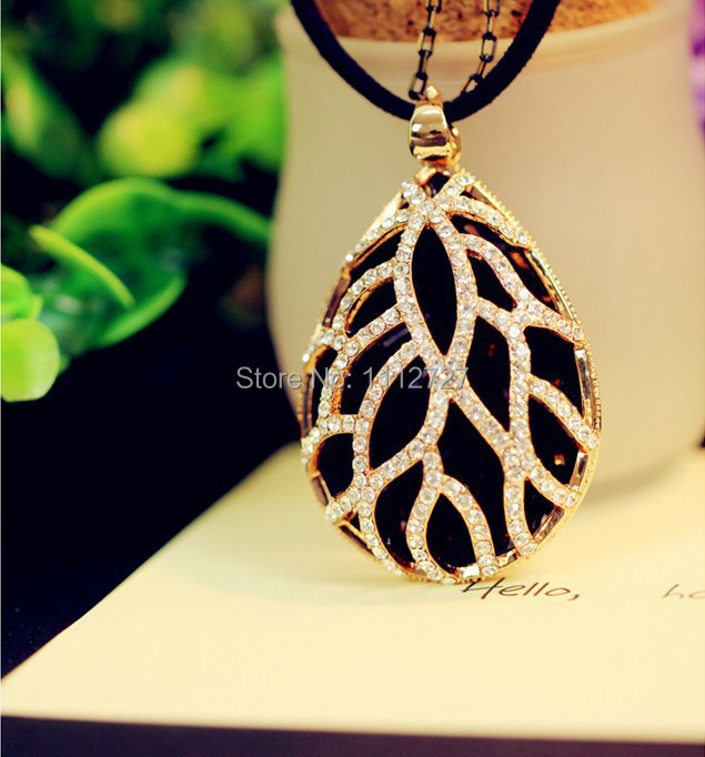 Korean Black Drop Leopard Necklace Long Hollow Sweater Chain Fashion Female Chain Jewelry Accessories Wholesale Price(China (Mainland))