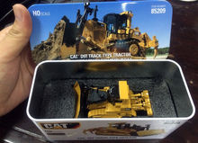 New Box - DM Model - Cat D9T Track-Type Tractor - HO Scale DieCast #85209(China (Mainland))