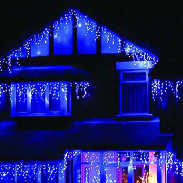 Blue led christmas lights guirlande lumineuse exterieur for Decorations noel exterieur maison
