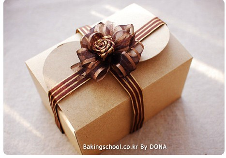DIY Wedding Kraft Paper Cake Boxes And Bakery Packaging For Wedding, Festival Party Supplies Craft Paper Box 15.5*10.5*8.5cm(China (Mainland))