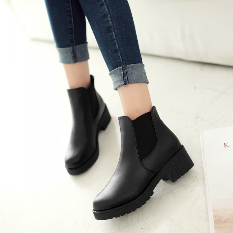 Women Ankle Chelsea Boots Black Classic Low Flat Heels Short Martin Boots Round toe Black Winter Fashion Women Shoes<br><br>Aliexpress