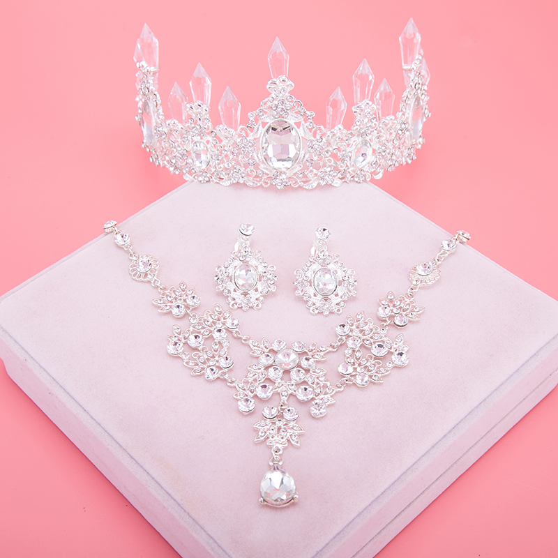 Sparkle Wedding Accessories Sets Silver Plated African Beads Cheap Crown Bridal Accessories Online 2017 Cappelli Da Sposa