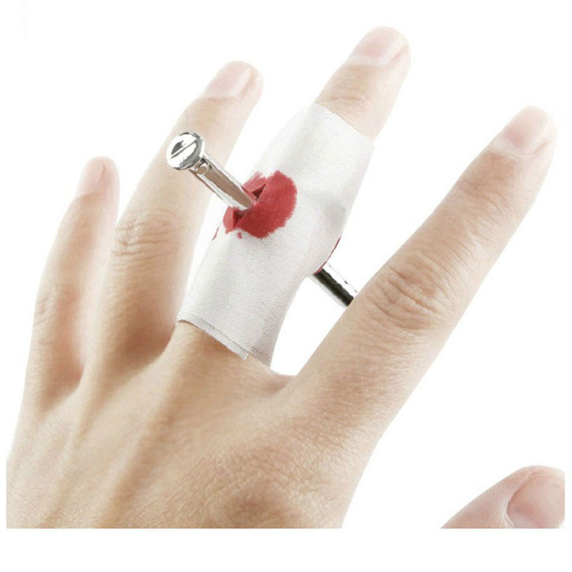 Gags & Practical Jokes Tricky toys novelty funny toys the whole person to wear finger nails terror scary gadget interesting toy(China (Mainland))