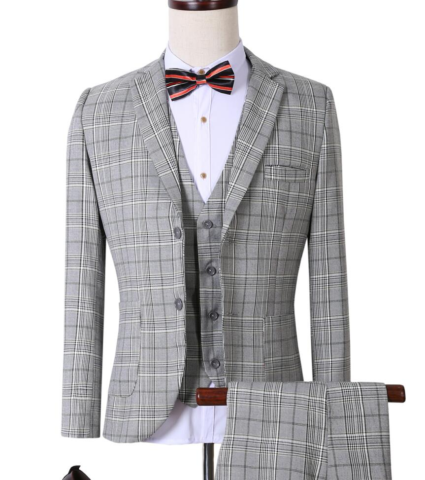 Well urban suits are nothing but classic New York style men's fashion suits that are similar to the looks of a Zoot suit. For all the men out there who want to dress different in style, the urban clothing for men is the right choice for you to kick off the boring collection.