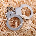 New Hot Selling Silver Color Stylish Handcuffs Keychain Fashion Handcuffs Keyring Pendant Key Chain For Men