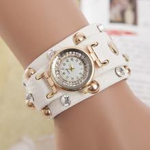 2015 para mujer populares del remache punky de la correa de cadena reloj pulsera caliente Winding Retro reloj de cuarzo mujeres reloj