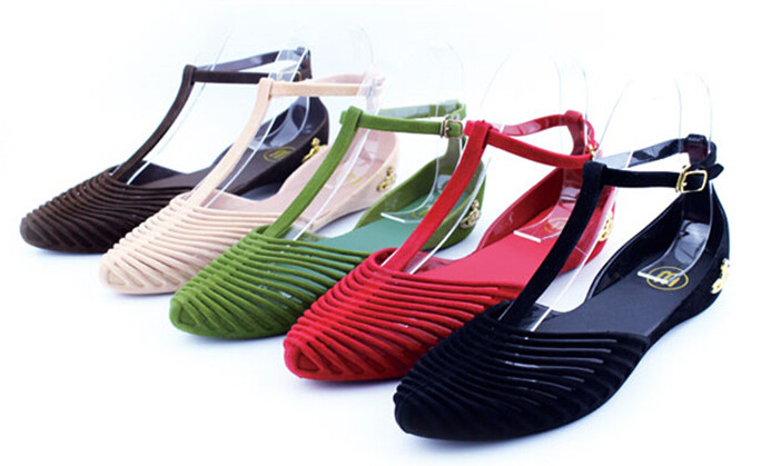Summer style pointed toe flat heel jelly shoes women's vintage slip-resistant Soft plastic sandals girl's Beach Sandal(China (Mainland))