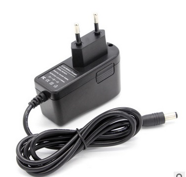 12 V Charger 12.6 v 18650 Lithium Battery Charger DC 5.5 * 2.1 MM + Free shipping(China (Mainland))