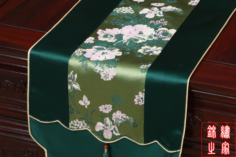 3 sizes High Quality Chinese Vintage Mixed Silk&Brocade White Flower Pattern Green Table Runner Bed Flag with Jade tassel(China (Mainland))