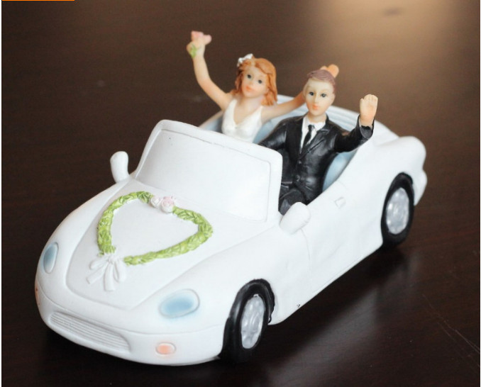 Free Shipping Driving To The Church Resin Wedding Cake Topper Bride and Groom topper Wedding Decoration Novelty(China (Mainland))