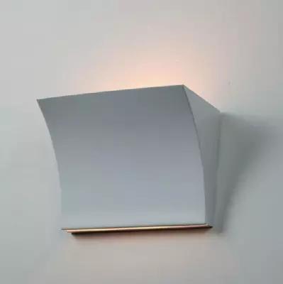 Фотография Modern Simple Metal Wall Lamp Passageway Corridor Living Room Bedroom Wall Light White Red Silver Wall Sconce L20cm H14.5cm