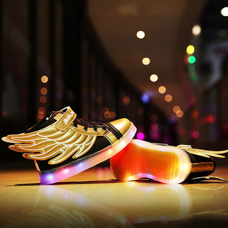 Здесь можно купить  2016 New Hot Fashion Kids Casual Shoes Girls Boys LED Luminous Sneakers Children USB Rechargeable Shoes Wing Size 25~37  Детские товары