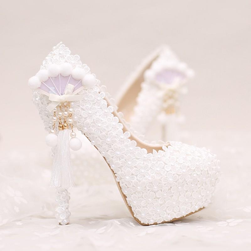 2017 White Lace Wedding Shoes Platforms Beautiful Women Pumps with Appliques Tassel Gorgeous Design Bridal Party Prom Shoes