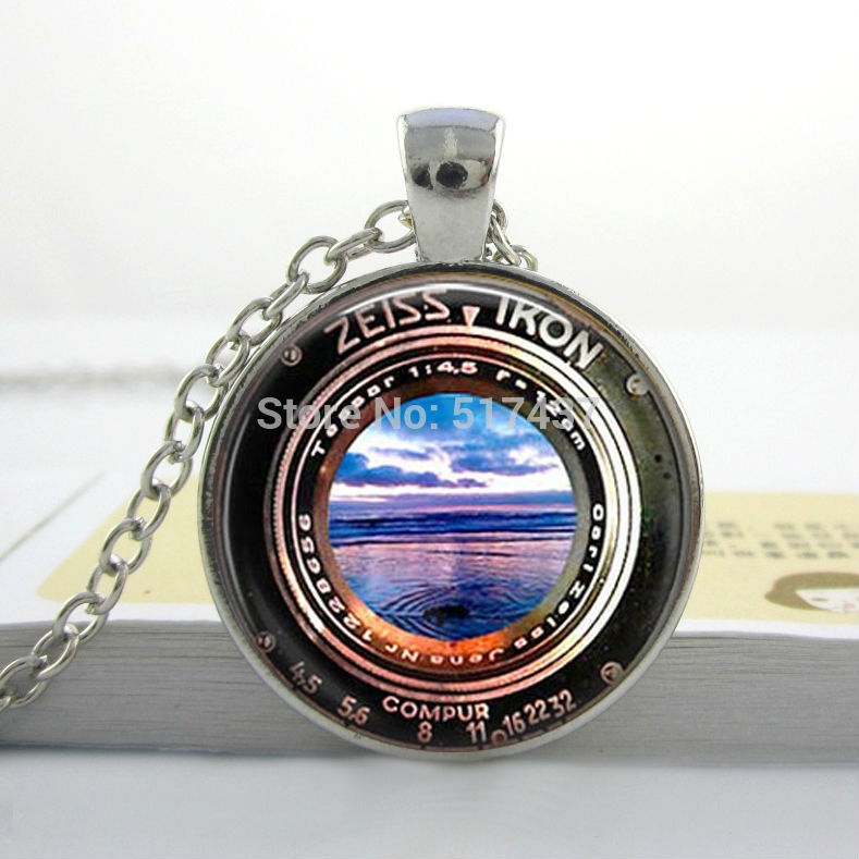 1 Pc Art Pendant Necklace Image of a Vintage Zeiss Ikon Camera Lens Sunset Beach Glass Cabochon Necklace(China (Mainland))