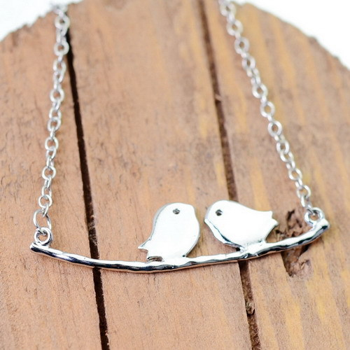 Retro Animal Jewelry Steel Necklace Two Little Love Birds On The Tree Trunk Pendant Statement Necklaces Gift For Women Children(China (Mainland))