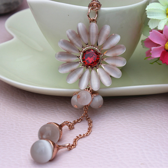 Fashion Jewelry Crystal Flower Keychain ring, lovely Charm for women's purse wallet Accessories()