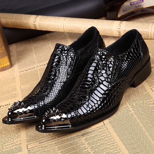 2015 new men oxfords shoes for men casual crocodile striae leather shoes fashion pointed toe Rivet punk male dress shoes<br><br>Aliexpress