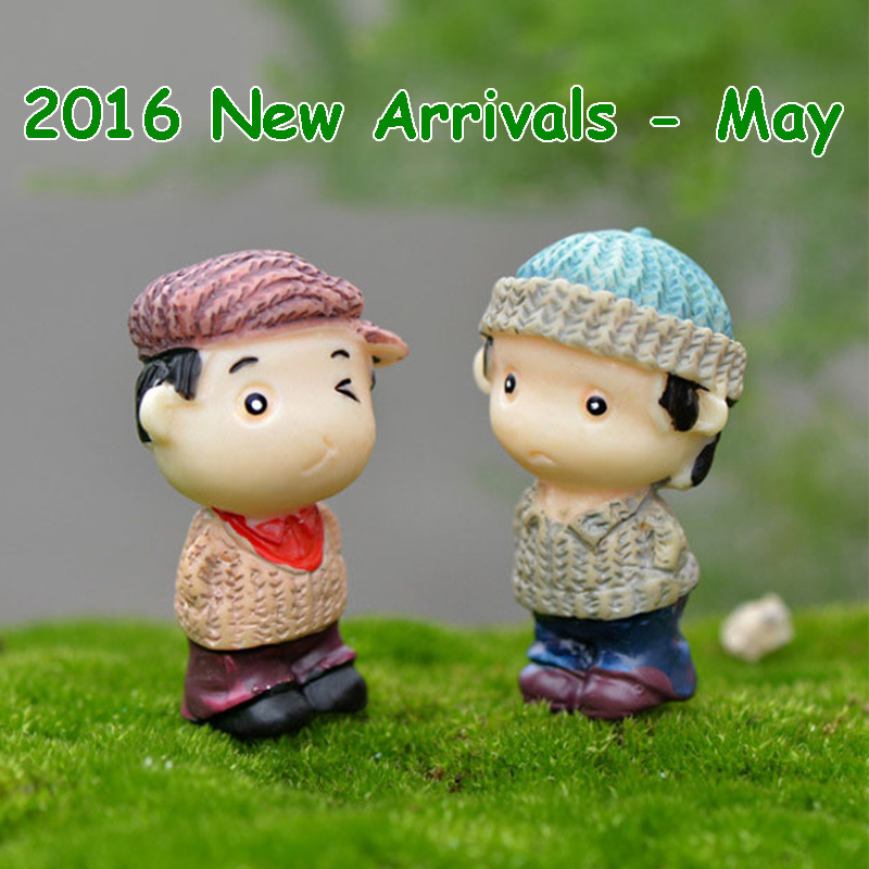 2016 May New Arrivals 2pcs/set Resin Sweater Young Men DIY Fairy Garden Ornaments Miniatures Micro Landscape Wholesale Toys(China (Mainland))