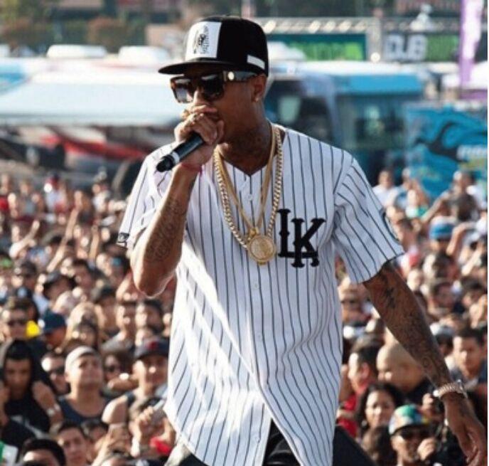 2015 Fashion Men's V-neck Baseball t-shirts LK 07 Printed Hip Hop Shirts Man Summer Casual Tee Shirts Homme Clothing(China (Mainland))