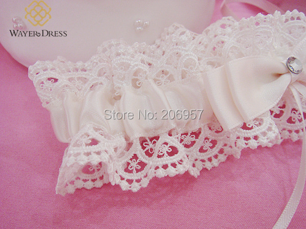 Fashion Sexy Wedding Garter Lace with Bow Lace Ribbon Ivory Bridal Garter Belt Lace Bride Wedding