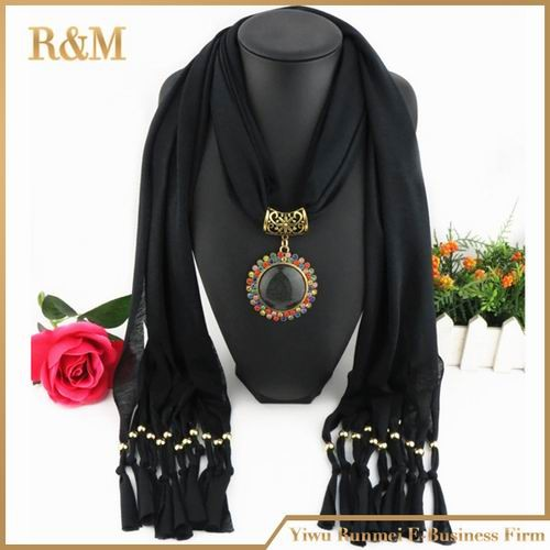 Hot Sale Elegant Winter Women's Fashion Cotton Scarf Necklace with the Same Color Beads Pendant Scarves