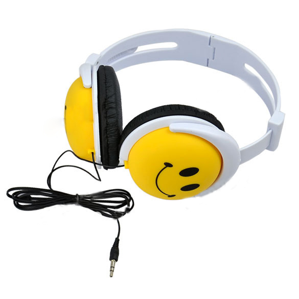 New Fashion And Cute Style Smile Face Headphone Earphones Headset For Computer For MP3 For PSP For DJ(China (Mainland))