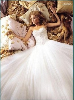 WD0302 Custom made hot-sale Ball Gown  Appliques and beaded Organza Wedding Dress