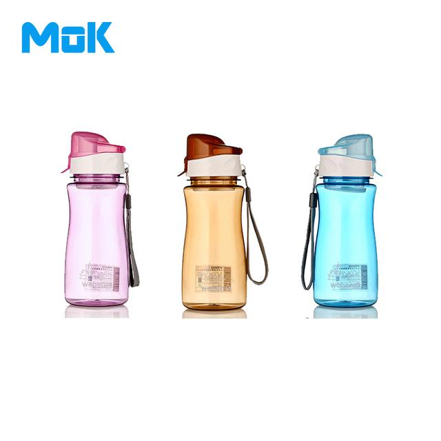Мок 2016 новая утечка - уплотнение прозрачной большая емкость сопла спорт пластиковые бутылки с водой с крышкой для губ фильтр 550 мл 1 шт.