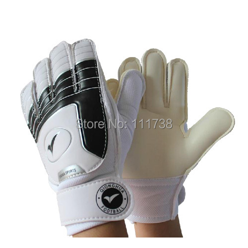 Various Size 3 4 5 6 7 Soccer goalkeeper gloves for kids Football latex goalie gloves Children 's professional sports protection(China (Mainland))