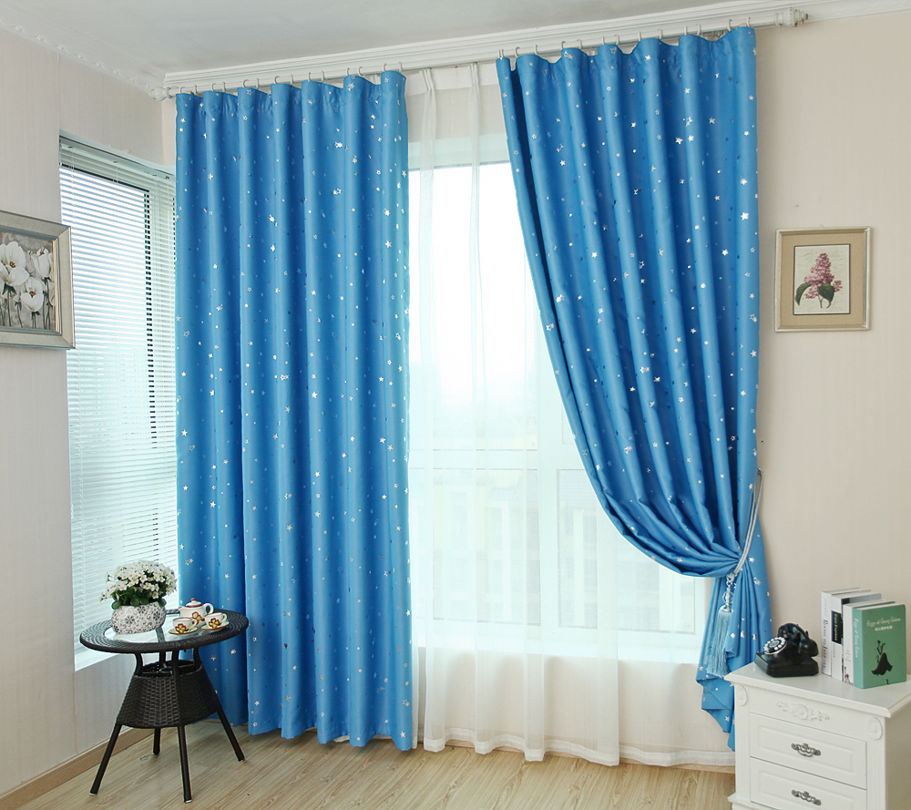 Windows And Simple Cloth Curtain Finished Bedroom Curtains