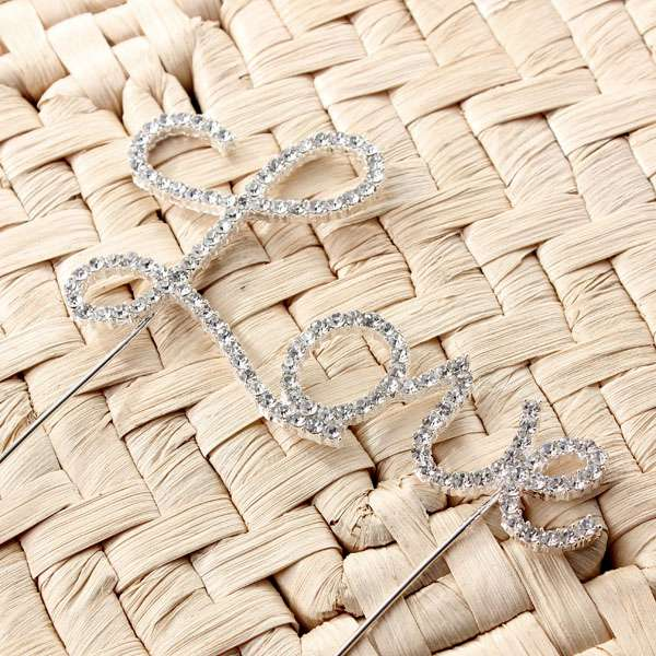 New Arrvial!!!Romantic Crystal Silvery Love Letter Cake Topper Wedding Engagement Valentine Decoration Hot Sale(China (Mainland))