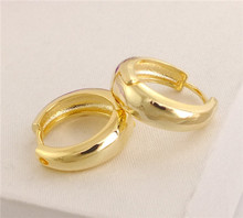 New Sale 1pair 18K Gold Filled Glossy Round Wonderful Woman's Hoop Earrings(China (Mainland))