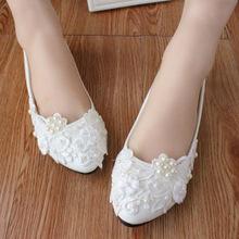2017 White Lace Flowers Pearls Decor Classic Bridesmaid Bridal Shoes Wedding Shoes Flat Lace Handmade Bride Wedding Shoes(China (Mainland))