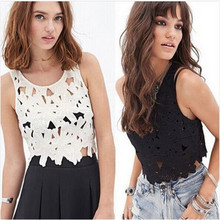 Sales Promotion 2015 Fashion Hollow Out Crochet Lace Crop Top Black White Lace Tank Tops Women Sexy Top Crop Sleeveless Tops(China (Mainland))