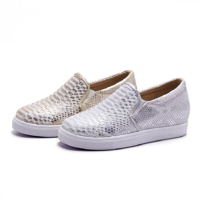 2016 New Brand Women Snakeskin Loafers Flats Shoes Woman Casual Round Toe Slip on Platform Shoes Ladies Creepers Big Size 34-43(China (Mainland))