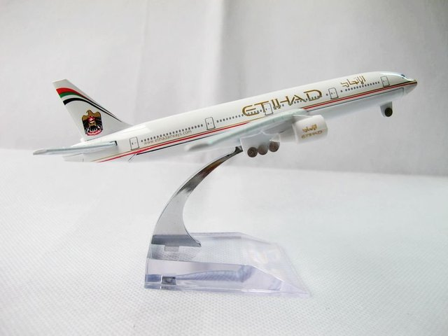 Free Shipping 1:400 Etihad Airways The National Airline of the United Arab Emirates Airlines Air Plane Model