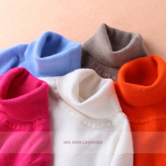 Яркий женский кашемировый свитер с высоким воротником. В наличии 21 цвет.