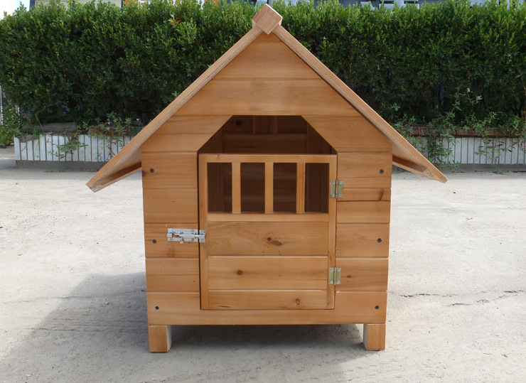 The pet dog kennel house outdoor pens made by Chinese fir
