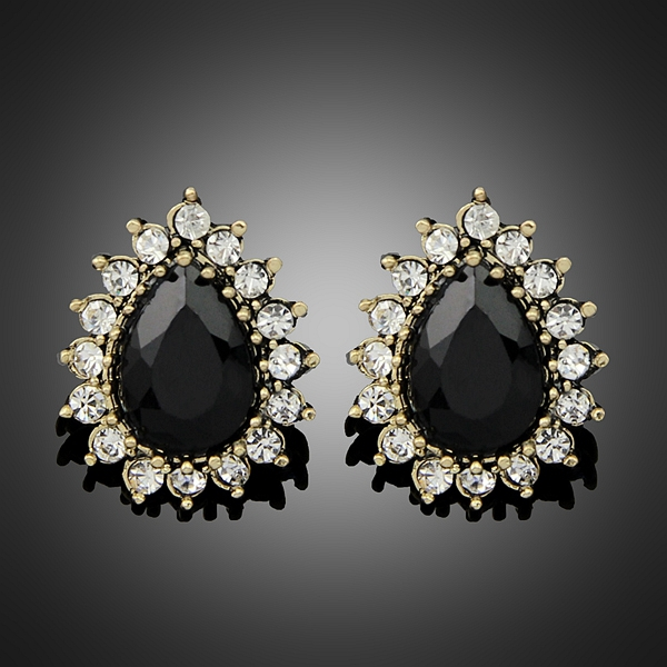 Wonderful We Asked Some Stylish Women For Tips On How To Pull Off This Statement  I Usually Let The Earrings Be The Focal Point Of My Look, So I Tend To Wear Something Solid