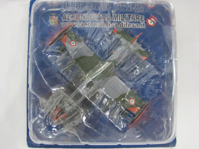Italy air force one AERNAUTICA MILITAER 1/100 MB 339A61 STORMO tefal balai air force extreme ty8751rh