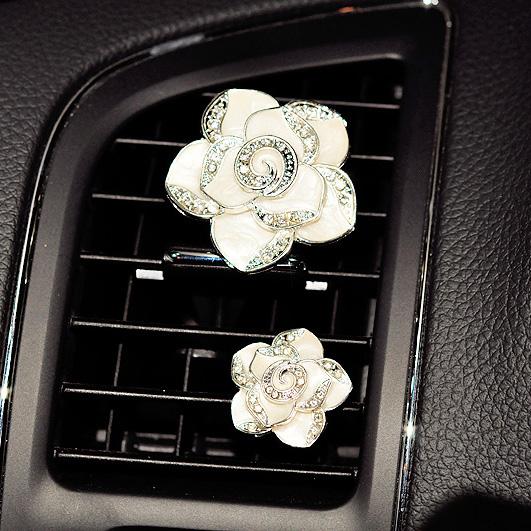 Free Shipping 2016 new arriving Car perfume fragrance Camellia diamond water diamond clip clip Korea air outlet(China (Mainland))