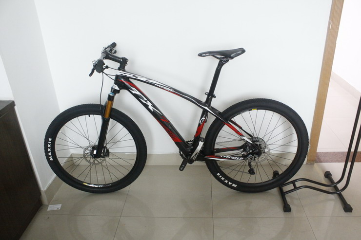 "Complete 29er Full Carbon Mountain Bicycle 142*12mm Axle Size 15.5"",17.5"",19"" 29er MTB Complete Bike(China (Mainland))"